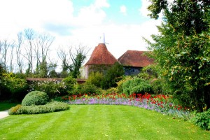 A Sideways View of a Part of Great Dixter (Cottages in Sussex, self catering and more…)
