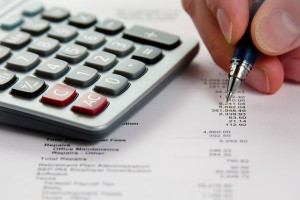 Analyzing Financial Data (How to enjoy Tax Free shopping in the UK)
