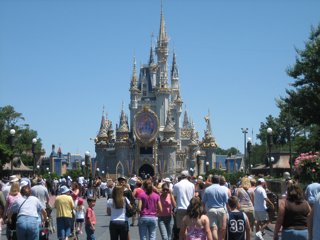 Eight Useful Tips to Booking Disney Vacation Packages